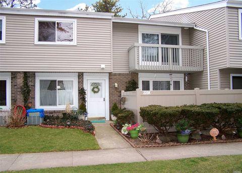 225 Springmeadow Dr Unit K, Holbrook, NY 11741