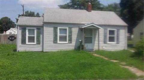 945 E Acton Ave, Wood River, IL 62095