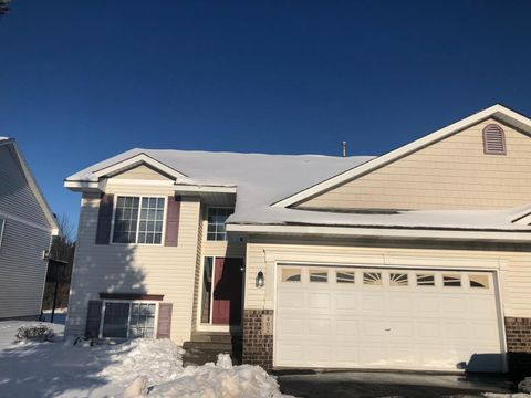 Photo of 402 Meadow Ln, Somerset, WI 54025