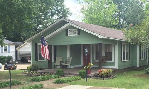 406 9th Ave N, Amory, MS 38821