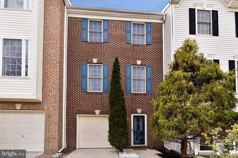 Photo of 18 Millhaven Ct Unit 518, Edgewater, MD 21037