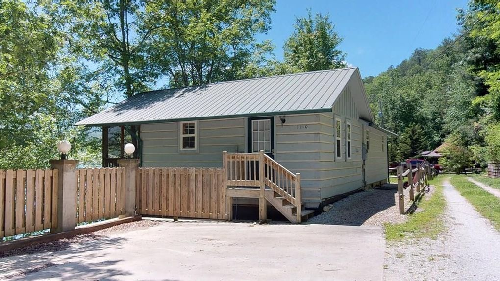 1100 Old Lodge Rd, Topton, NC 28781