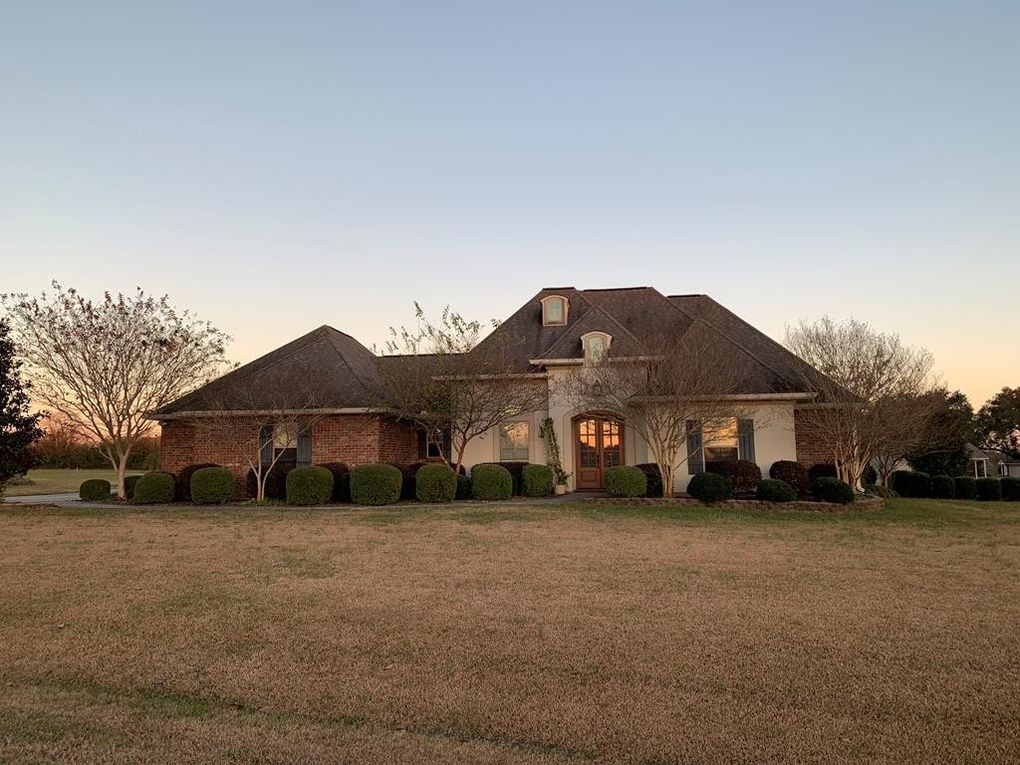 6 Bloomingdale Dr, Carriere, MS 39426