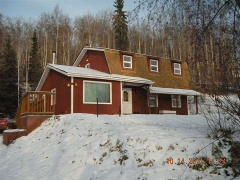 1089 Violet Dr, Fairbanks, AK 99712