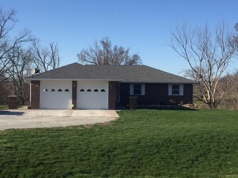 1267 Hayes Dr, Knoxville, IA 50138