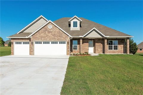 Photo of 2336 Sandpiper Dr, Blanchard, OK 73010