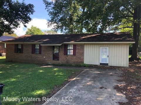 103 Oak Dr, Booneville, MS 38829