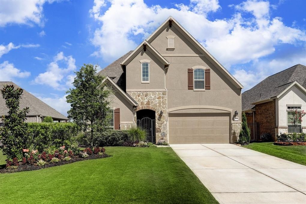 8911 Leaning Hollow Ln, Spring, TX 77379