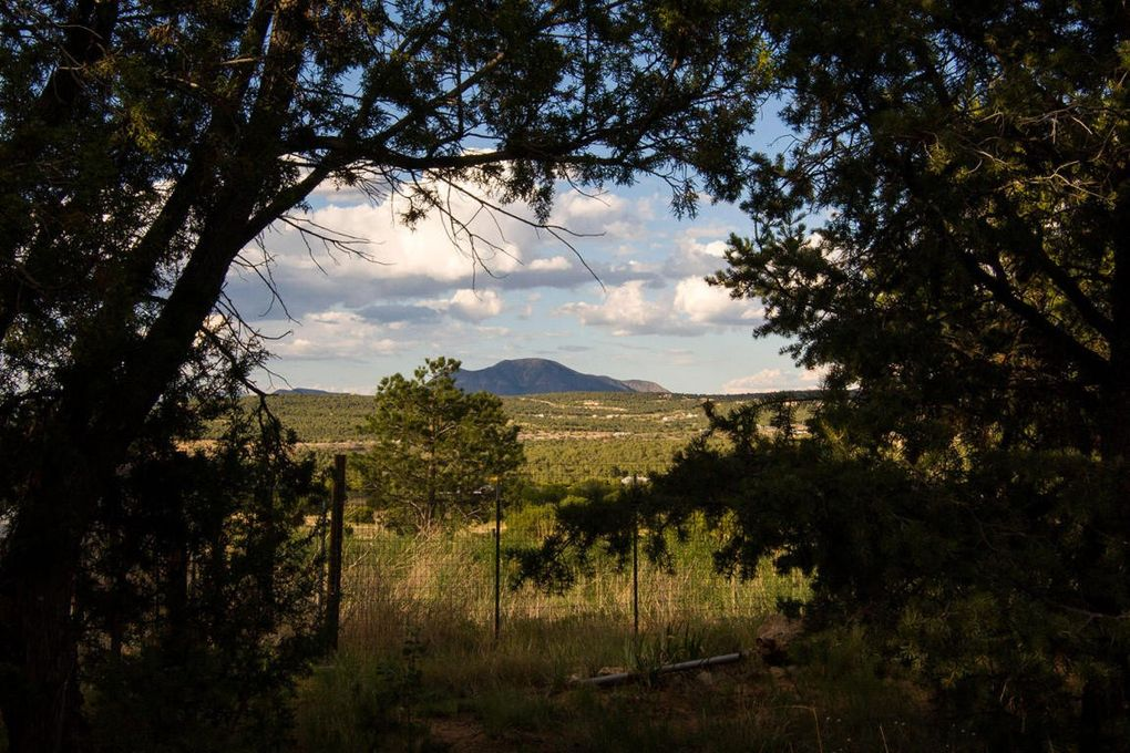 69 Longview Dr, Tijeras, NM 87059