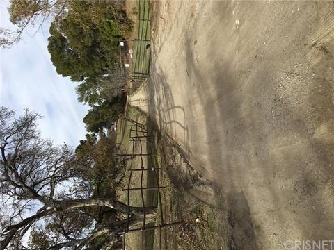 11840 Highwater Rd, Granada Hills, CA 91344