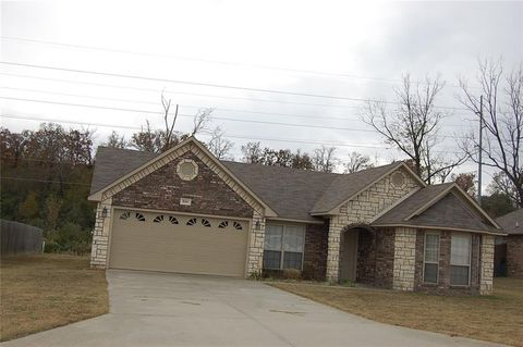 Photo of 806 Shanna Dr, Van Buren, AR 72956