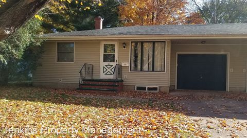 Photo of 122 S 8th St, River Falls, WI 54022