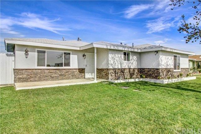 412 W San Bernardino Ave Rialto, CA 92376