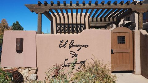 Photo of 103 Catron St, Santa Fe, NM 87501