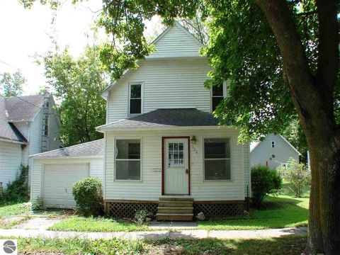 224 E North St, Ithaca, MI 48847