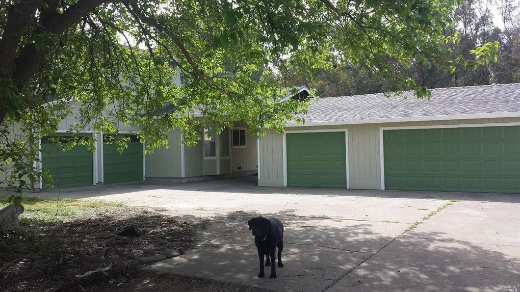 7677 Country Ln, Vacaville, CA 95688