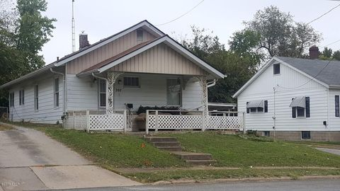 207 E Water St, Pinckneyville, IL 62274