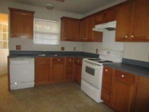 6424 Henco Dr, Fort Worth, TX 76119   Kitchen