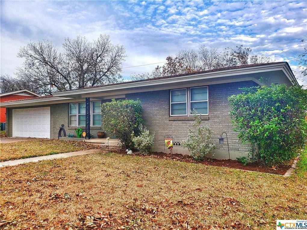 110 N 29th St Gatesville, TX 76528