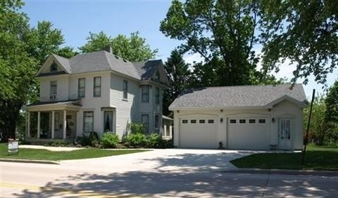 Photo of 121 Dodge St, Mineral Point, WI 53565