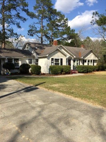 Photo of 401 Lee St, Alma, GA 31510