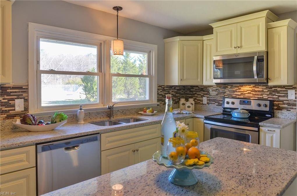 Nansemond Pkwy A Suffolk VA Realtorcom - Kitchen remodeling suffolk va