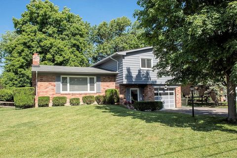 8009 Merrymaker Ln, Sycamore Township, OH 45236