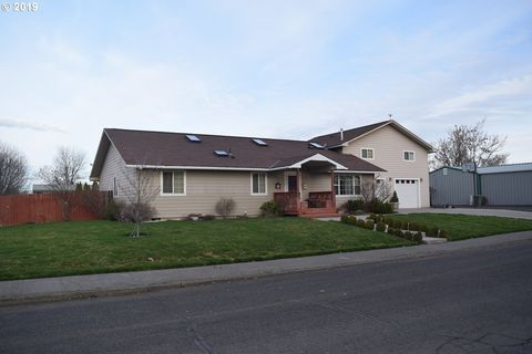 Photo of 410 N 4th St, Athena, OR 97813