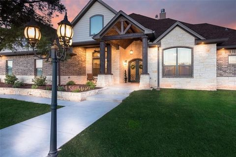 Wonderful 900 Whispering Oaks China Spring TX 76633 Brokered By Magnolia Realty Waco Real  Estate Homes For Sale Realtor.
