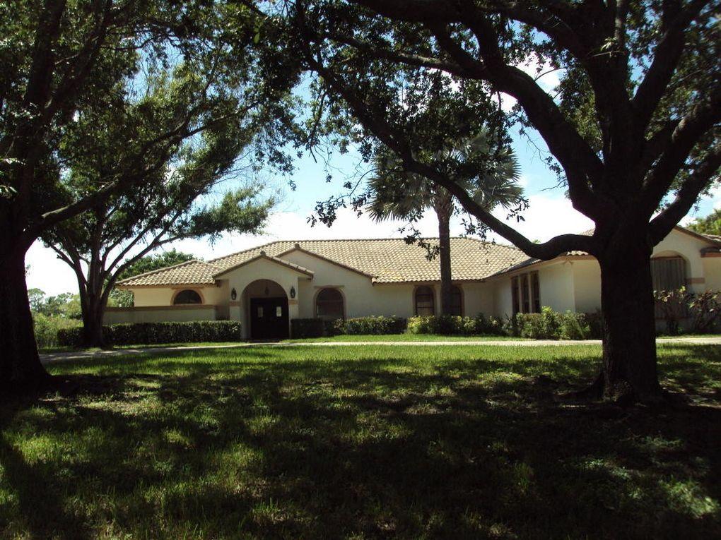 5383 Sea Biscuit Rd, Palm Beach Gardens, FL 33418