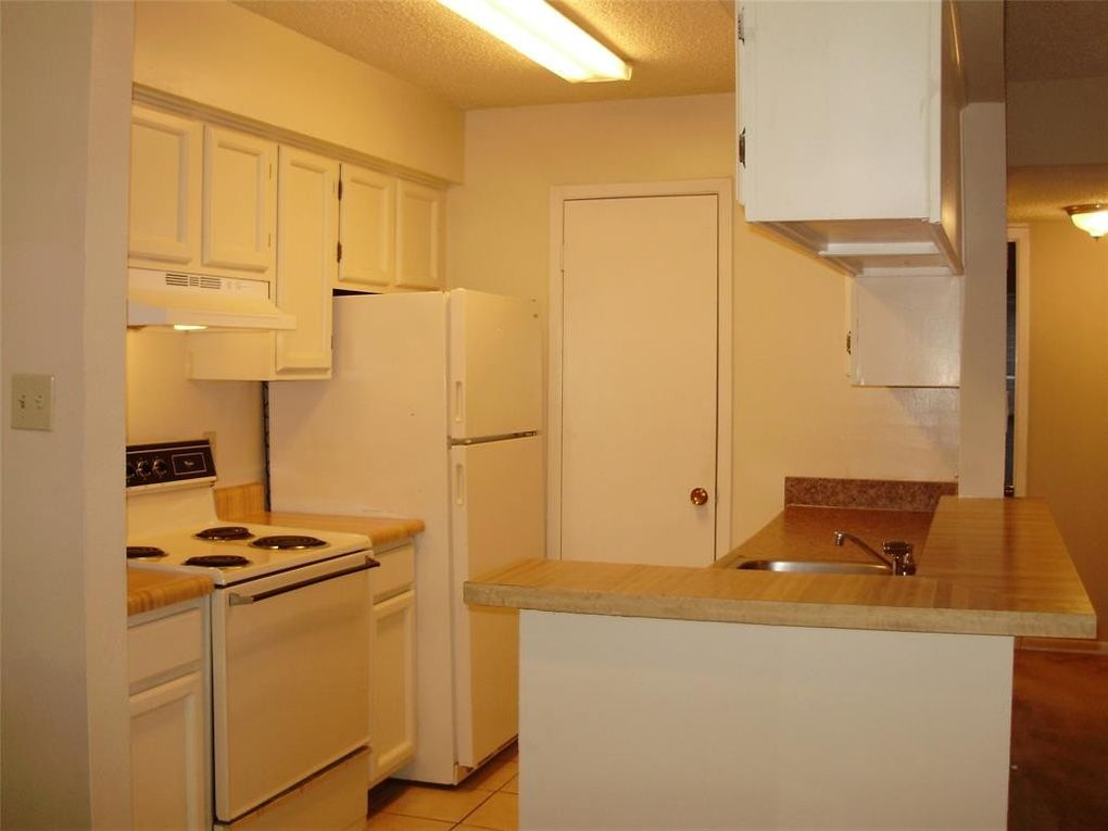 Condo For Rent 17331 Red Oak Dr Apt 16 Houston Tx 77090 Realtor Com