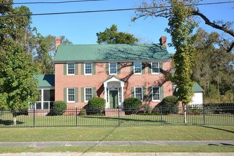 39 E Calhoun St, Wadley, GA 30477