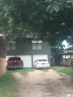 Photo of 703 S Laurel Ave, Luling, TX 78648