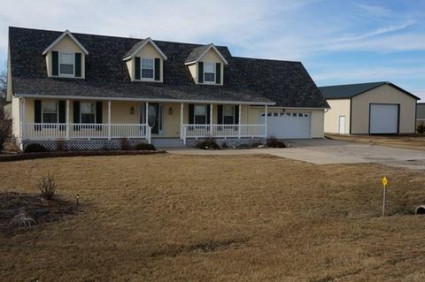 701 4th St, Gowrie, IA 50543