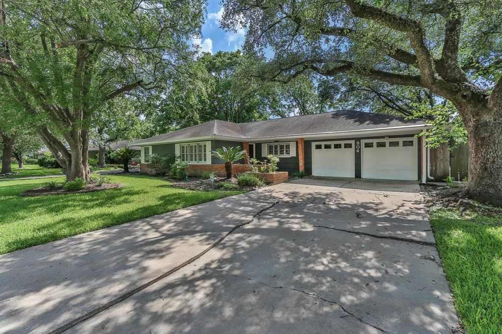 804 Atwell St, Bellaire, TX 77401