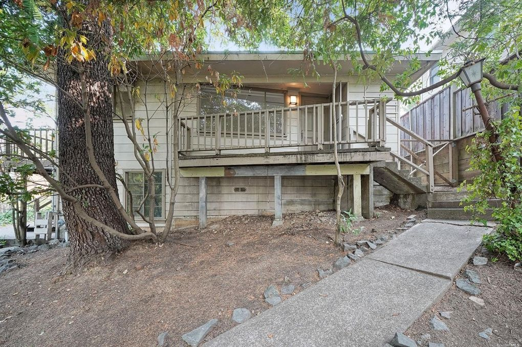 100 Oak Knoll Ave, San Anselmo, CA 94960