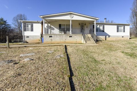 2452 W Old Andrew Johnson Hwy, Strawberry Plains, TN 37871