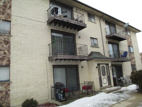 Photo of 8518 W Catherine Ave Unit 2 N, Chicago, IL 60656