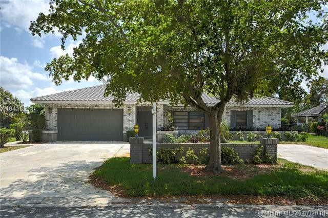 3920 Nw 105th Ave, Coral Springs, FL 33065