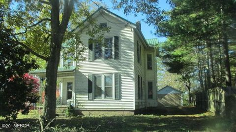 Photo of 339 W Posey Ave, Shawneetown, IL 62984
