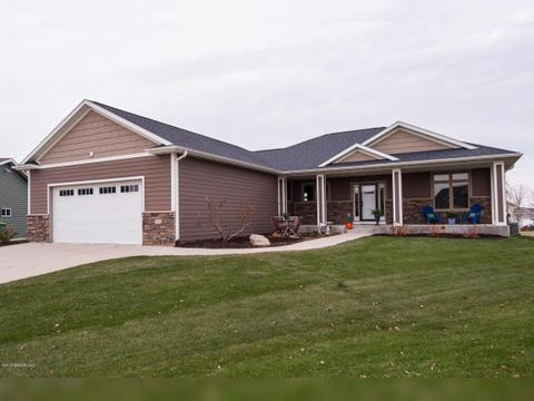 1407 4 1/2 St Nw, Kasson, MN 55944