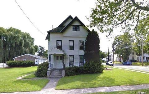 54 Elizabeth St, Auburn, NY 13021