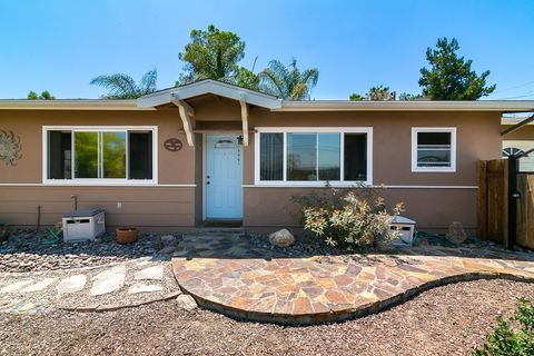 8235 Prospect Ave, Santee, CA 92071