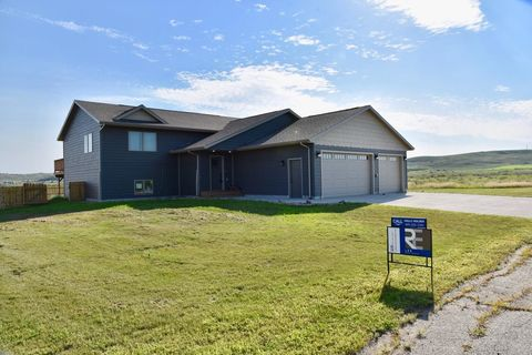 Photo of 515 Rousseau Ave, Fort Pierre, SD 57532