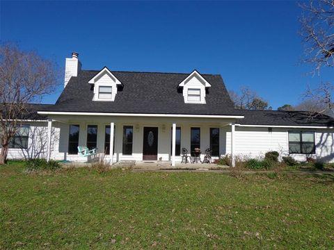 Photo of 231 Obannon Ranch Rd, Huntsville, TX 77320
