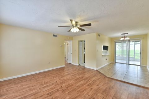 Photo of 1615 Se 25th St Apt E, Ocala, FL 34471