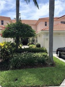 690 Lalique Cir Apt 1106, Naples, FL 34119