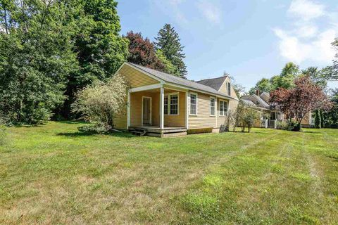 Photo of 785 Chester Rd, Auburn, NH 03032