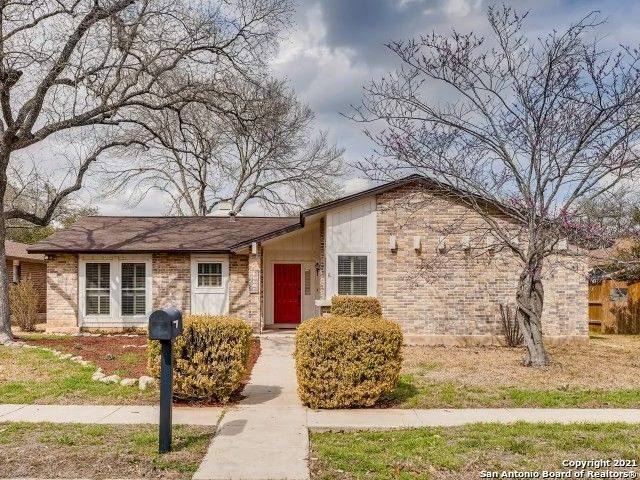 13718 Castle Grove Dr San Antonio, TX 78231