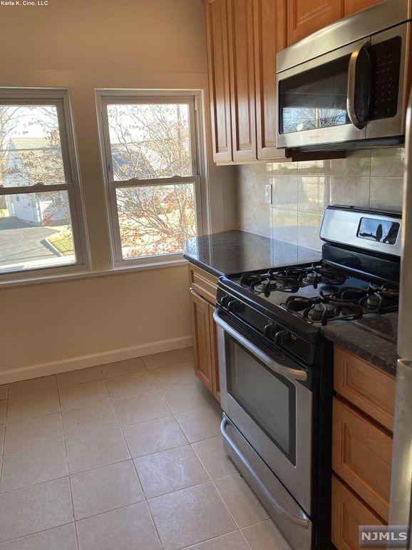 650 River Rd Unit 2 New Milford Nj 07646 Home For Rent Realtor Com